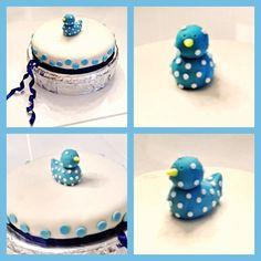 #duck #cake #babyshower #baby #shower #boy #blue #babyblue #lightblue #skyblue #white #circle #bubbles #dot #polkadots #polka #dots #sweet #dessert #madebyme Duck Cake, Boy Blue, Babyshower, Light Blue, Bubbles, Polka Dots, Sweet, Desserts, Food