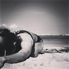 There will come a time when you believe everything is finished. That will be the #beginning .  #LouisLamour   Day 2 of the #Yoga4Growth #yogachallenge | #Balasana #ChildsPose   Hosts: @KoyaWebb and @LadyDork  Sponsors: @AloYoga @GetLovedUp @ToeSox @sunwarriortribe @liforme   #mymojoyoga #mojo #mojomind #mojomoment #mojolife #yoga #onlineyoga #yogaeveryday #yogainspiration #yogamotivation #yogalifestyle #lovethislife #yogafyyourlife #thegoodlife #yogaallday #yogastrong #mauilife #beachyoga…