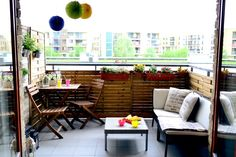 Od kiedy przeprowadziłam się na studia do Warszawy, mieszkam w bloku. Chciałam mieć tutaj namiastkę ogrodu z dzieciństwa. Dom z pięknym