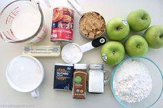 Easy Apple Cobbler Apple Cobbler Easy, Apple Crisp Easy, Fruit Cobbler, Cobbler Recipe, Apple Dessert Recipes, Desserts Menu, Apple Recipes, Fall Desserts, Vegan Desserts