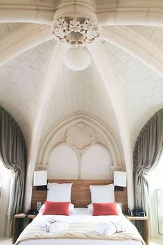 Gorgeous arched ceiling