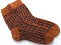Hand Knit Classic wool socks. Size EU-43-44 US-9,5-10,5 This old fashion hand knit socks has been hand knitted by me - thick and really warm.