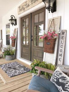 Amazing Farmhouse Style Front Porch Design And Decor Ideas