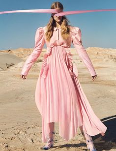 EDITORIAL: Roos Abels in Numero December/January by Txema Yeste — Mirage — Photography: Txema Yeste, Model: Roos Abels, Styling: Bernat Buscato, Hair: Pasquale Ferrante, Make-Up: Tyron Machhausen. Pink Fashion, Fashion Shoot, Editorial Fashion, Womens Fashion, Style Fashion, Pink Photography, Editorial Photography, Fashion Photography, Mode Country