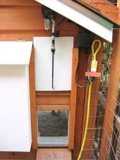 Automatic chicken coop door using car antenna.....BRILLIANT!!