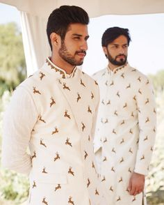 Anita Dongre – India's Top Brand of Designer Bridal Wear & Fashion Accessories Mens Indian Wear, Mens Ethnic Wear, Indian Groom Wear, Indian Men Fashion, Indian Man, Wedding Kurta For Men, Wedding Dresses Men Indian, Wedding Dress Men, Wedding Outfits