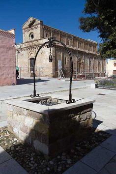 Tratalias, Sardinia. Piazza chiesa vecchio centro