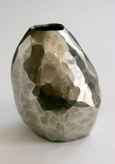 DAVID WISEMAN, FACETED VESSEL.