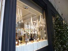 La chocolaterie « Les marquis de Ladurée », est une branche de la maison Ladurée qui existe depuis 1862 et qui est réputée pour ses macarons. C'est d'ailleurs Ladurée qui fut choisi par le Palais princier de Monaco lors du mariage du prince Albert et de la princesse Charlène pour confectionner des macarons. La boutique …