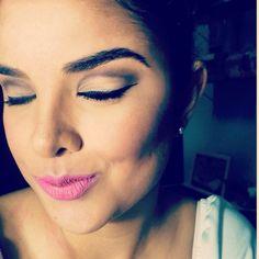 Essa maquiagem é uma boa dica para eventos à noite. Tem contorno e iluminação. O olho é marcado na medida certa. Sombra: paleta CIRCUS da Oboticário, batom Confete da Dailus e caneta delineadora da Vult  #makeup #LucilaCortez #dailus #oboticario #vult