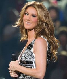 Celine Dion - amazing singer, beautiful, likeable, incredibly financially successful - all before age Celine Dion, Pop Bands, Female Singers, Her Music, Famous Women, Belle Photo, Role Models, My Idol, Marie