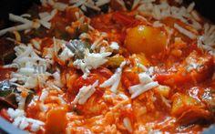 """Cum se prepară celebra mâncare tradiţională armânească """"piperchi dinijicati cu…"""