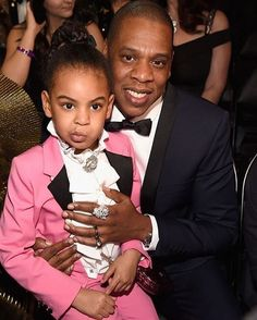 Necesitamos un traje rosa como el de #BlueIvy!  : @thecut #JayZ #GRAMMYs  via MARIE CLAIRE MEXICO MAGAZINE OFFICIAL INSTAGRAM - Celebrity  Fashion  Haute Couture  Advertising  Culture  Beauty  Editorial Photography  Magazine Covers  Supermodels  Runway Models
