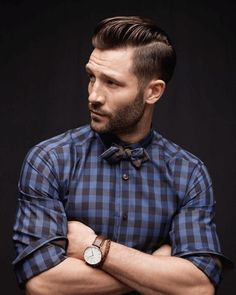 How to Get Beard Styles for Round Face. Are you looking for the best beard styles for round face individuals? There are many different beard styles that you can use for a more rounded face. Hipsters, Gentleman Stil, Hair And Beard Styles, Hair Styles, Stubble Beard, Estilo Hipster, La Mode Masculine, Sharp Dressed Man, Mode Style