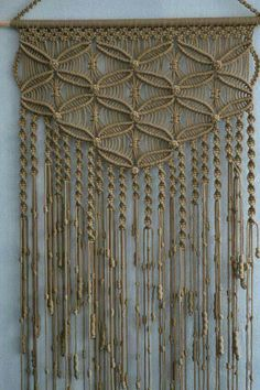 Creative DIY Mini Wall Hangings - Page 44 of 51 - Farhah Decor Macrame Owl, Macrame Knots, Micro Macrame, Macrame Wall Hanger, Macrame Curtain, Art Macramé, Macrame Design, Macrame Projects, Macrame Tutorial