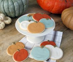 Heirloom Pumpkin Sugar Cookies by jennysteffens: A nice break from bright orange jack-o-lantern cookies. With great tips on mixing colors!