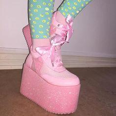 Kawaii fashion ~ j fashion ~ harajuku ~ gyaru ~ fairy kei ~ lolita fashion ~ gothic lolita ~ pastel goth ~ pink platforms ~glitter platforms ~ glitter shoes ~ pink shoes ~ pink aesthethic