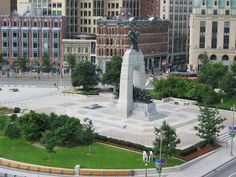 Top 20 things to do in Ottawa: Confederation Square