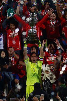 Bravo Campeón de América con su selección chilena. 2015