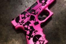 Sick pistol painted with cerakote pink and black. One tough looking ladies pistol! Revolver, Rifles, Armas Wallpaper, Pink Guns, Big Girl Toys, Cool Guns, Awesome Guns, Custom Guns, Guns And Ammo