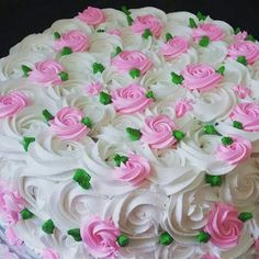Retro cake decorating
