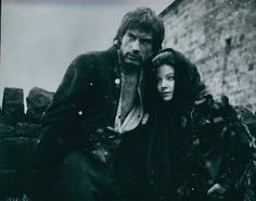 Heathcliff ( Timothy Dalton) and Cathy ( Anna Calder-Marshall) - Wuthering Heights 1970