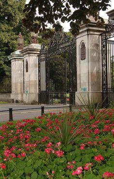 The main entrance to Mary Stevens Park, Norton, Stourbridge