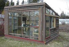 fabriquer abris ou cabanon de jardin bois pas cher avec portes en verre