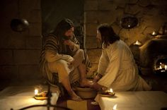 Christ washing feet (This pictures of Jesus and more can be found in the LDS Media Library) King Jesus, God Jesus, Simon Pedro, Lds Pictures, Pictures Of Jesus Christ, Lds Art, Bible Art, Jesus Christus, Son Of God