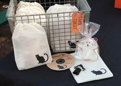 love the cat bag idea for party favors