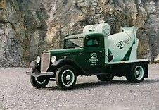 Old Concrete Mixer Trucks - Bing Images Mix Concrete, Concrete Mixers, Semi Trucks, Old Trucks, Cement Mixer Truck, Equipment Trailers, Antique Trucks, Badass, Bing Images