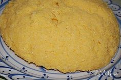 Mamaliga Moldoveneasca Cornbread, Gem, Cheese, Ethnic Recipes, Food, Knives, Romanian Recipes, Millet Bread, Essen