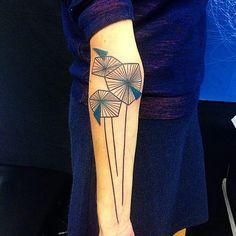 Les tatoueurs d'avant-garde : Le tatouage dit destyle graphique - Site de photostatouages : Modèles et photos de tatouages !