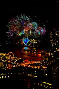 Chicago's Navy Pier Fireworks Don't forget the Fireworks, my fav holiday is near. Fireworks on the Navy Pier would b a treat. Chicago Travel, Chicago City, Chicago Illinois, Navy Pier Chicago, Chicago 4th Of July, Wedding Fireworks, Fireworks Cake, Beautiful Places, Beautiful Pictures