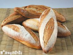 The (authentic) French baguette Pastry Recipes, Bread Recipes, Cooking Recipes, Pan Bread, Bread Cake, Boiled Dinner, French Baguette, Pan Dulce, Vegan Treats