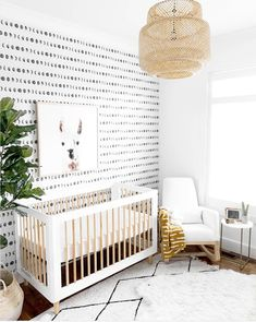 [New] The 10 All-Time Best Home Decor (Right Now) - Cheap by Mary Weeks - Removable wallpaper is a great way to accent your room or home without causing any wall damage. We're swooning over this adorable nursery by . Chic Nursery, Nursery Modern, Nursery Neutral, Nursery Decor, Nursery Ideas, Modern Nurseries, Project Nursery, Nursery Design, Gender Neutral Nurseries
