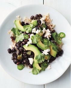 Hearty and healthy, black beans, brown rice and avocado makes a quick dinner or lunch. Mexican Food Recipes, Vegetarian Recipes, Cooking Recipes, Healthy Recipes, Vegetarian Dinners, Avocado Recipes, Chickpea Recipes, Cabbage Recipes, Salmon Recipes