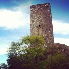 A norman castle built in the century. Was also used as a lookout post as it has an astounding view of a lake and other surrounding areas. Wexford Town, Wexford Ireland, Norman Castle, Open Your Eyes, 15th Century, North West, Bridge, Places To Visit, River