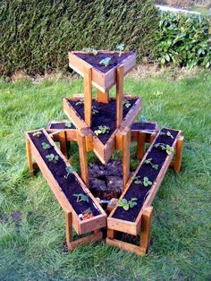 3 Tiered Pallet Triangular #Garden Planter | 99 Pallets-WOOD AND WOODY PLANTS