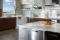 Contemporary : Decorating Styles : Kitchen : Delta Faucet