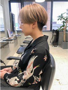 Short Hair Tomboy, Chic Short Hair, Short Hair Trends, Short Hair Cuts, Tomboy Hairstyles, Short Hairstyles For Women, Cool Hairstyles, Korean Short Hair, Shot Hair Styles