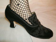 Black Velvet Steampunk // Colonial // Gothic // by kellyshippyhut, $38.00