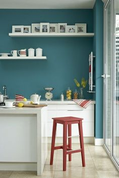 Cuisine and turquoise on pinterest for Couleur mur cuisine blanche