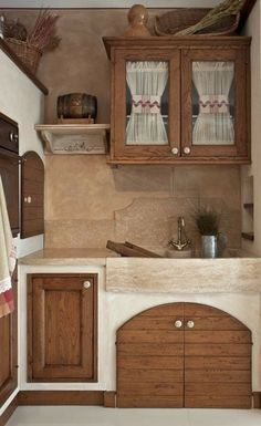 3 Beautiful Rustic Country Kitchen Ideas - Do you need a kitchen update? You can consider these three rustic country kitchen ideas. They are not only beautiful but also intimate. Rustic Country Kitchens, Rustic Kitchen, Country Decor, Home Decor Kitchen, Kitchen Furniture, Kitchen Ideas, Home Interior Design, Interior Decorating, Sweet Home