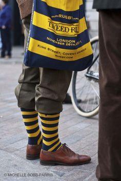 I really like this pairs of socks. Funky Socks, My Socks, Covent Garden, Asian Men Fashion, Mens Fashion, Fall Socks, Tweed Men, Plus Fours, Gentleman's Wardrobe
