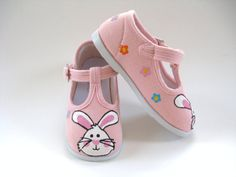 9c1e5b98e8c50 25 Best Shoe display images in 2013 | Shoe display, Baby shoes, Baby ...