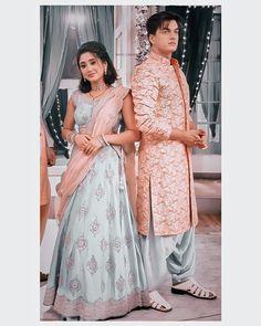 Shivangi Joshi Instagram, Beautiful Pakistani Dresses, Fancy Dress Design, Silk Saree Blouse Designs, Cute Couples Photos, Beautiful Girl Photo, Girl Photography Poses, Traditional Outfits, Girl Photos