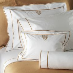 Matouk Ansonia is a white percale finished with two rows of satin stitching. Ansonia is 500 thread count Egyptian cotton woven in Italy. Monogram Bedding, Rideaux Design, Luxury Sheets, Luxury Linens, Cama Box, Luxury Bedding Collections, Embroidery Monogram, Fine Linens, Linen Bedding