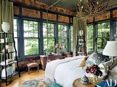 Rustic Bedroom decor by Thom Filicia : Architectural Digest Architectural Digest, Home Decor Bedroom, Master Bedroom, Bedroom Simple, Dream Bedroom, Bedroom Wall, Cama Vintage, Interior Exterior, Interior Design