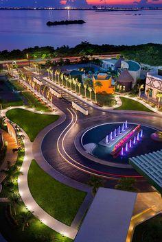 Que tal la entrada del Hard Rock Hotel, Cancun Mexico?